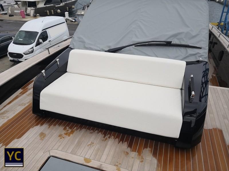 Yacht Upholstery, Super Yacht Upholstery, Yacht Upholstery Italy
